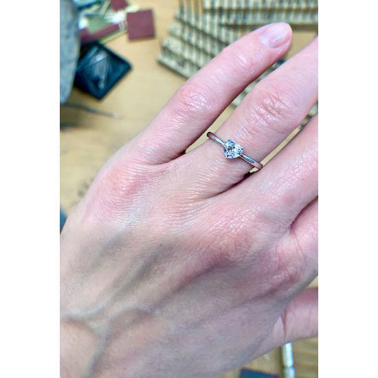 Кольцо с бриллиантом Сердце,  Больше Изображение 4