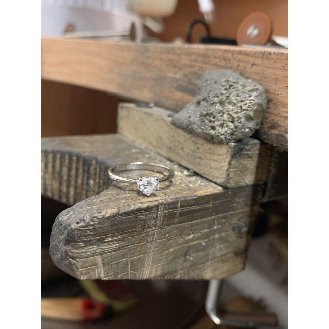 Кольцо с бриллиантом Сердце 0.5 карат из платины