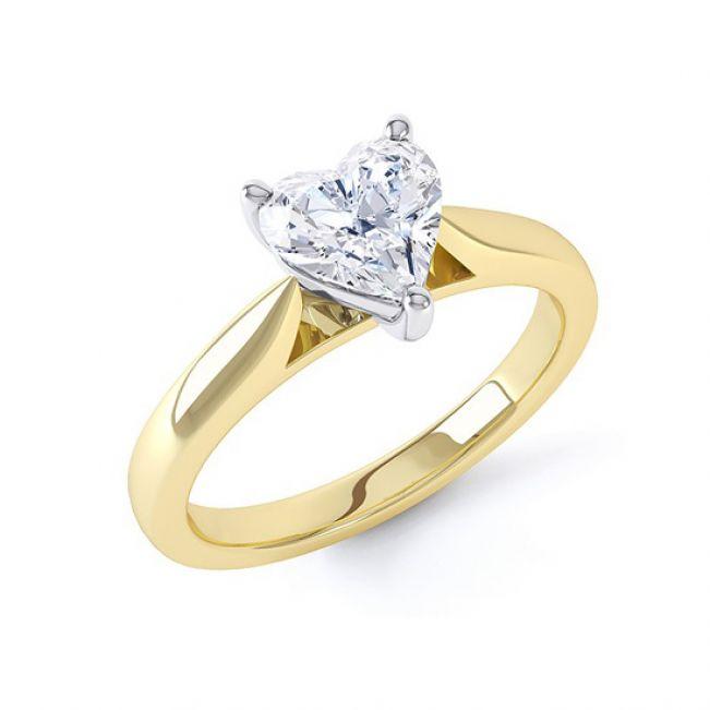 Золотое кольцо с бриллиантом Сердце