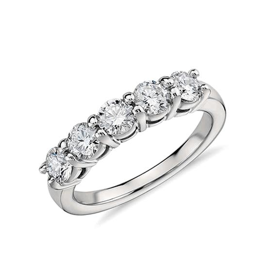 Кольцо с 5 бриллиантами, Больше Изображение 1
