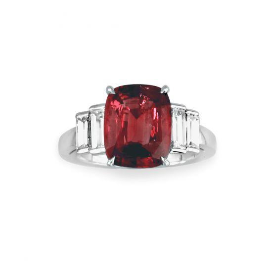 Кольцо с центральным рубином и белыми бриллиантами, Больше Изображение 1