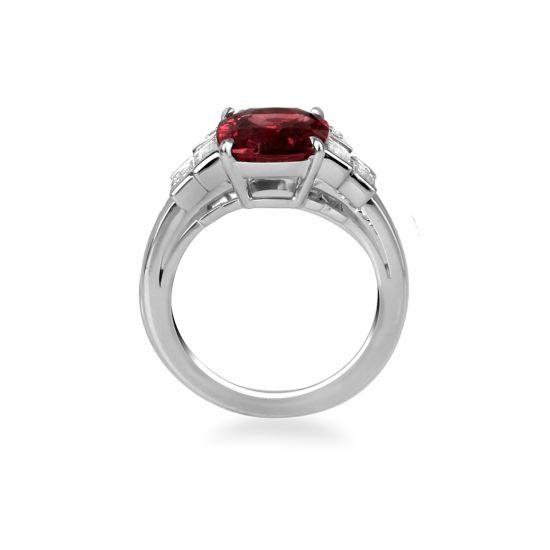 Кольцо с центральным рубином и белыми бриллиантами,  Больше Изображение 2
