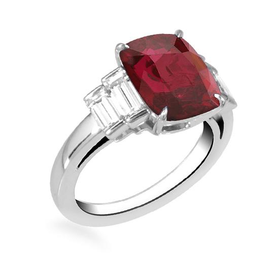 Кольцо с центральным рубином и белыми бриллиантами,  Больше Изображение 3