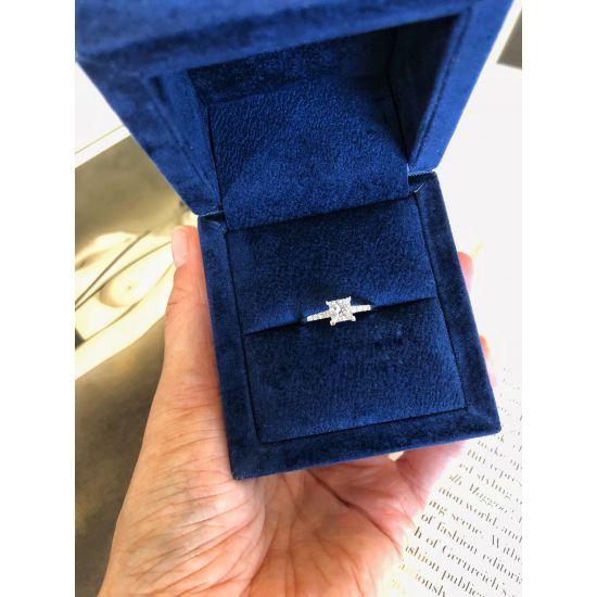 Кольцо с бриллиантом принцесса в центре,  Больше Изображение 6