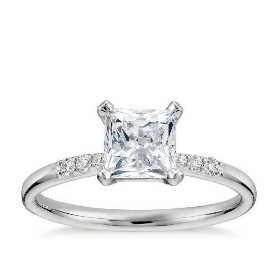 Кольцо с бриллиантом принцесса в центре,  Больше Изображение 2