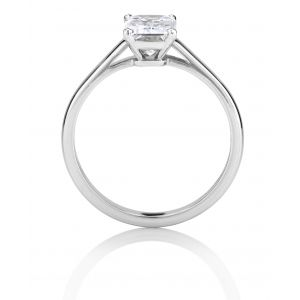 Кольцо с 1 бриллиантом изумрудной огранки