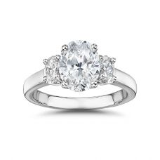 Кольцо с 3 овальными бриллиантами