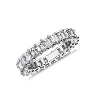 Кольцо с бриллиантами 3 карата изумрудной огранки по кругу