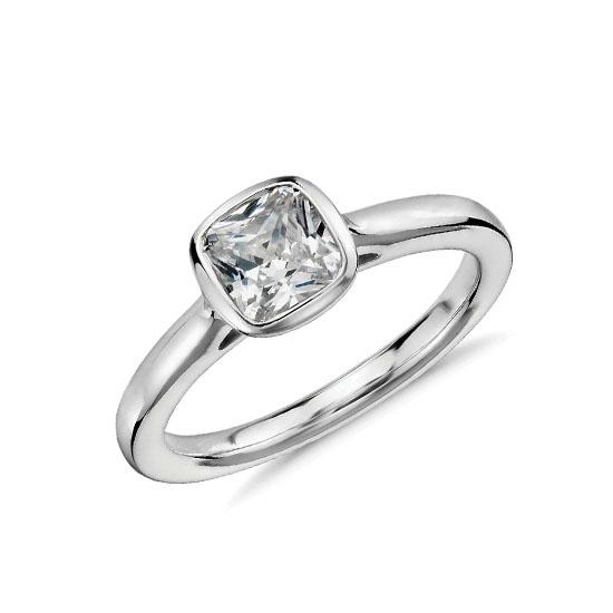 Кольцо с бриллиантом огранки кушон, Больше Изображение 1