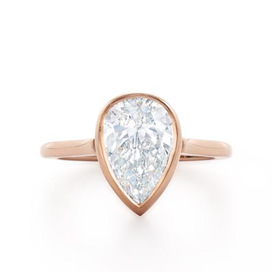 Кольцо с бриллиантом огранки груша, Больше Изображение 1