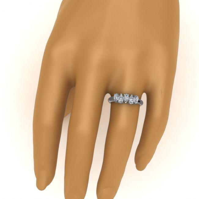 Кольцо с 5 бриллиантами огранки груша