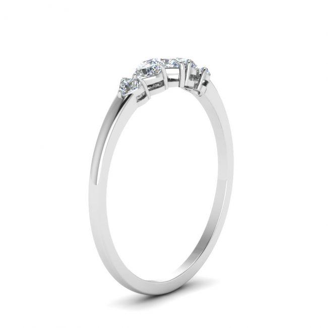 Кольцо с 5 бриллиантами огранки Cердце