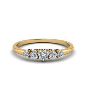 Кольцо с 5 бриллиантами сердечками из золота