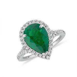 Кольцо с изумрудом в форме груши и бриллиантами