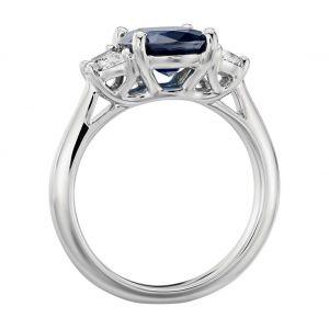 Кольцо с овлаьным сапфиром и бриллиантами