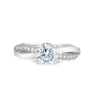 Кольцо с бриллиантом 0.5 карат и дорожкой Твист