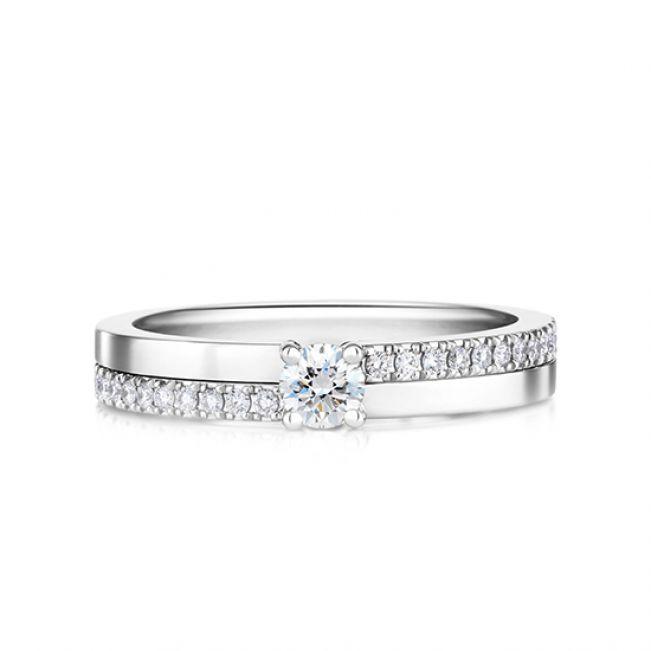 Кольцо с бриллиантом 0.3 карата