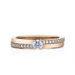 Кольцо с бриллиантом 0.30 карата