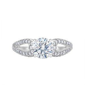 Кольцо с круглым центральным бриллиантом и дорожкой