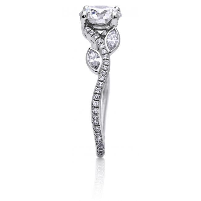 Кольцо с бриллиантом и веточками из бриллиантов по бокам - Фото 2