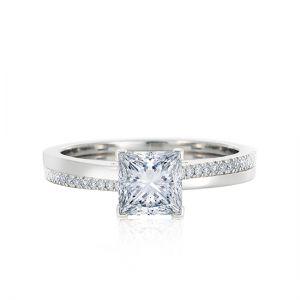 Кольцо с бриллиантом Принцесса и паве