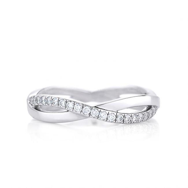 Кольцо бесконечность с дорожкой из бриллиантов