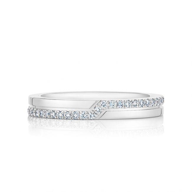 Кольцо с дорожкой из бриллиантов зигзаг