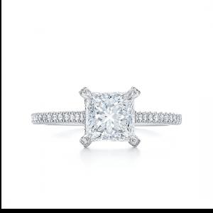 Кольцо с бриллиантом Принцесса со скрытым паве под камнем