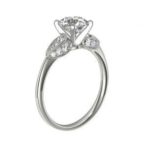 Кольцо с круглым бриллиантом и лепестками 3Д паве