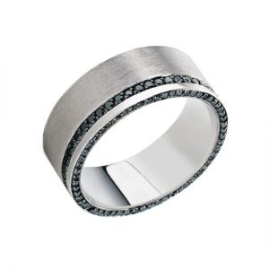 Мужское кольцо с двойной дорожкой из черных бриллиантов