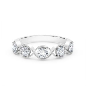 Оригинальное кольцо с 5 бриллиантами