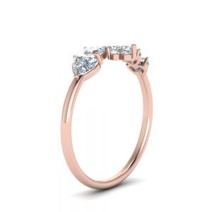 Кольцо с 5 камнями огранки Сердечко