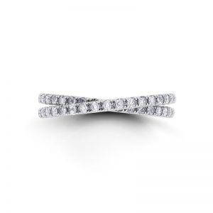 Кольцо с переплетением дорожек с бриллиантами