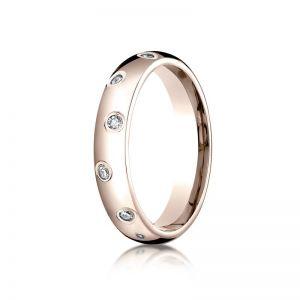 Обручальное кольцо из розового золота с бриллиантами