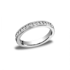 Кольцо дорожка с бриллиантами в канальной закрепке с декором