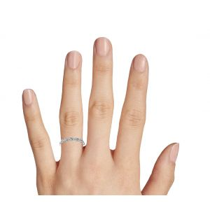 Кольцо с переплетением дорожек из бриллиантов