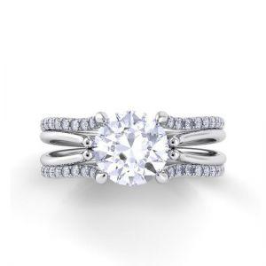 Кольцо с бриллиантом и двойной дорожкой