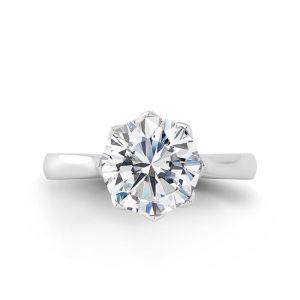 Кольцо с белым бриллиантом круглой огранки