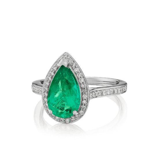 Кольцо с изумрудом Груша в ореоле из бриллиантов, Больше Изображение 1