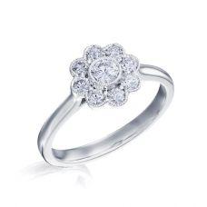 Кольцо с бриллиантами в форме цветка