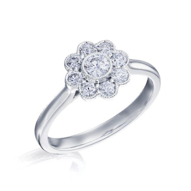 Кольцо с круглым бриллиантом в ореоле