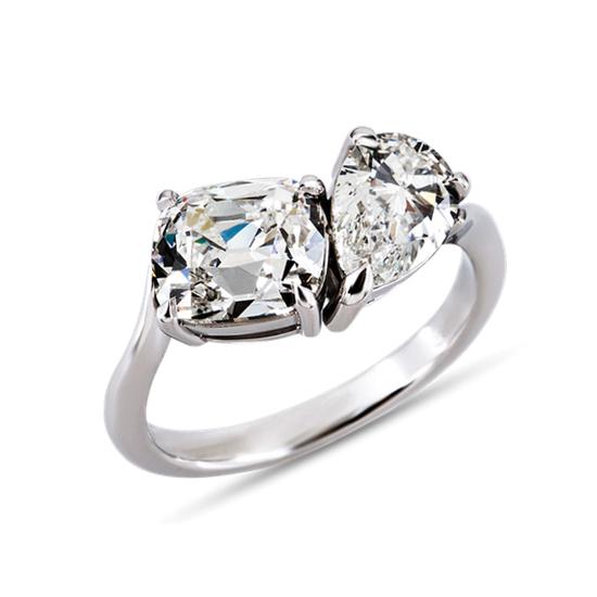 Кольцо с двумя крупными бриллиантами, Больше Изображение 1