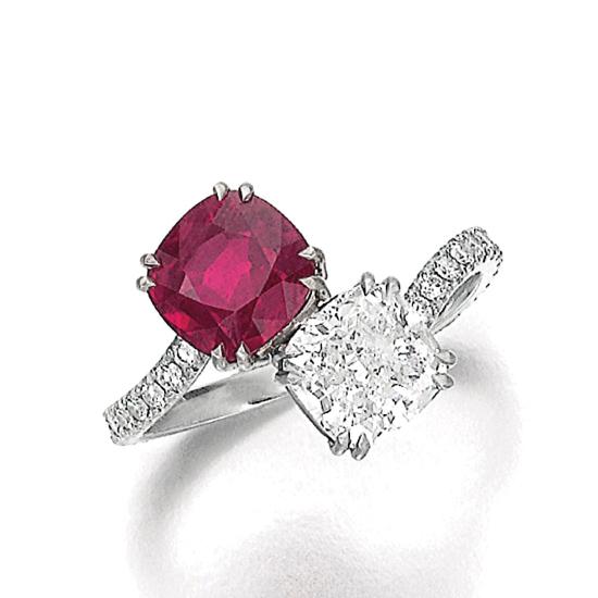 Кольцо с бриллиантом и рубином огранки Кушон, Больше Изображение 1
