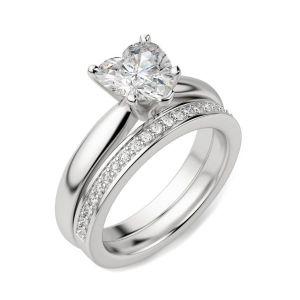 Кольцо бриллиантом в форме сердца