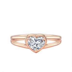 Кольцо раздвоенное с бриллиантом огранки Сердце