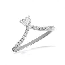 Кольцо с бриллиантом Сердце и дорожкой