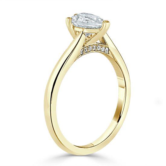 Кольцо с бриллиантом в форме сердца из золота,  Больше Изображение 3