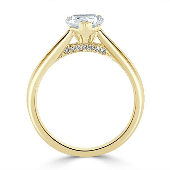Кольцо с бриллиантом в форме сердца из золота,  Больше Изображение 4