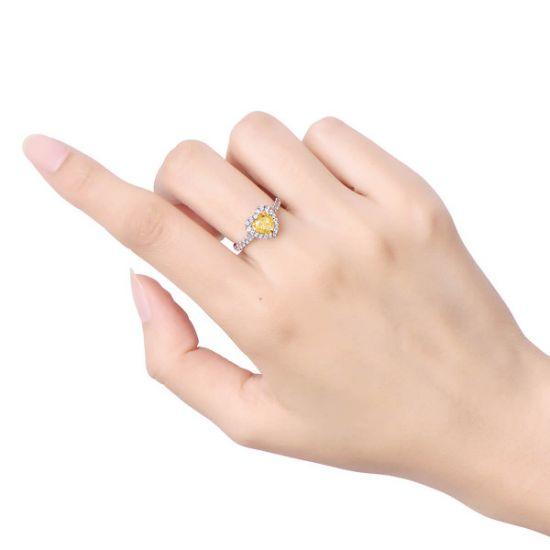 Кольцо с желтым бриллиантом сердце в обсыпке,  Больше Изображение 3