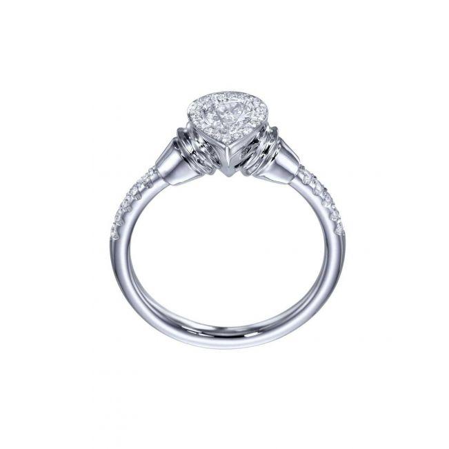 Необычное кольцо с бриллиантом огранки груша